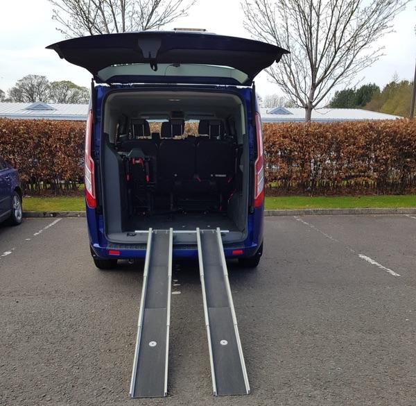 EdinburghAirport-Taxis vehicle with wheelchair access